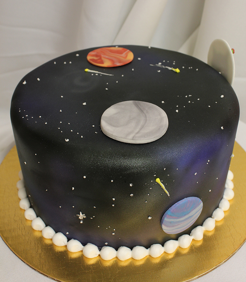 These galaxy design cakes will take you in outer space for Outer space cake design